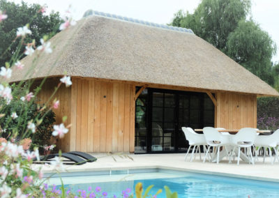 Eiken poolhouse met rieten dak  (Ref. Hing EPR08)
