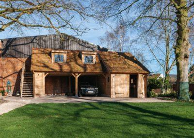 Eiken carport met guest house (Ref. JN EC03)