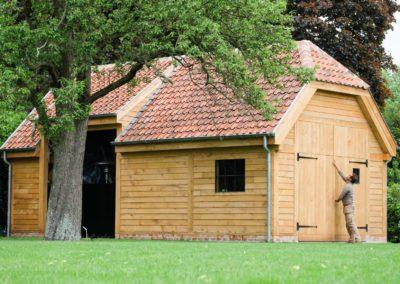 Eiken bijgebouw met oude boomse pannen (Ref.VDB EBB07)