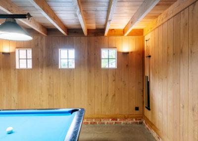 Vanhauwood_poolhouse bourgondische tegelpannen 25
