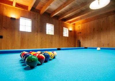 Vanhauwood_poolhouse bourgondische tegelpannen 26