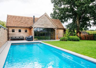 Vanhauwood_poolhouse bourgondische tegelpannen 3