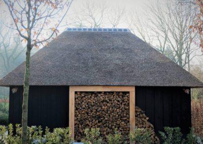 Poolhouse met rietdak en zwarthout  (Ref. DDN ZP)