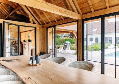 Vanhauwood_poolhouse en lounge rietdak 19