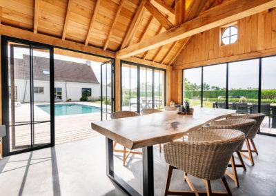 Vanhauwood_poolhouse en lounge rietdak 21