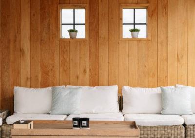 Vanhauwood_poolhouse en lounge rietdak 27