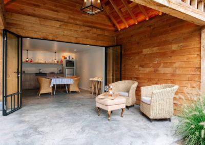 Vanhauwood_poolhouse met keukentje eik 11