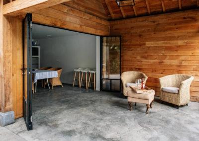 Vanhauwood_poolhouse met keukentje eik 7
