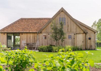 Vanhauwood_eiken poolhouse guesthouse