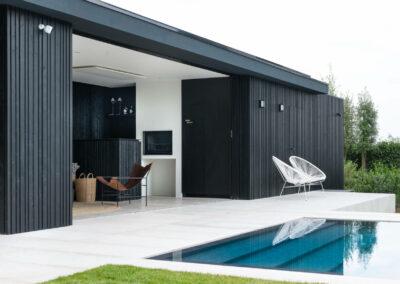 moderne poolhouse zwart